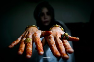 detalle de las manos de la novia saharaui