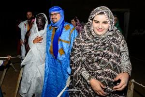novios saharauis hacia la haima