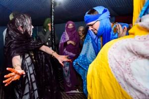 balie de los invitados a la boda saharaui