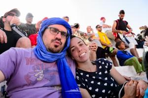 pareja en entrega de premios sahara maraton 2016